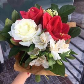 Букет из хризантемы и альстромерии маленький